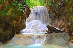 Себу. Один из каскадов водопада в каньоне.